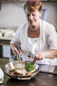 Kochen mit frischen Zutaten aus dem Wald (c) Armin Huber (Hotel Tann)