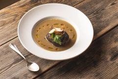 Köstliche Suppe mit Knödel und Pilzen (c) Armin Huber (Hotel Tann)