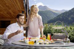 Köstliches Frühstück auf der Terrasse (c) Michael Huber (Hotel Quelle Nature Spa Resort)