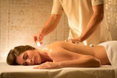 Kristall-Energie Massage im Premium-Spa (c) Bernhard Bergmann (Hotel Larimar)