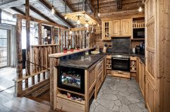 Küche im traditionellen Stil im Chalet im Bergdorf Prechtlgut