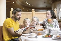 Kulinarische Genüsse für die ganze Familie (c) Daniela Jakob (Alpenrose - Familux Resort)