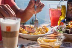 Kulinarische Hochgenüsse am Hecherhaus (c) Angélica Morales (Silberregion Karwendel)