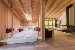 Kuschelsuite mit Hängenetzlounge und großzügigem Wohnraum (Naturhotel Rainer)