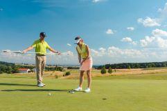 Lässiges Golftraining bei dem Partner-Golfclub in Pleiskirchen (c) Jochen Ziffels (Hotel Traumschmiede)