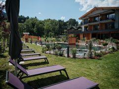 Liegemöglichkeit im Garten des Hotels MorgenZeit (c) Youngmedia