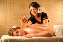 Lomi-Hawaii Massage im Premium-Spa (c) Bernhard Bergmann (Hotel Larimar)