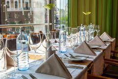 Lunch mit Ausblick auf die Café Bar Aragall (Hotel am Stephansplatz)