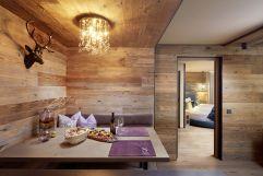 moderne Designer-Essecke in Chalet Salena (c) Wellhotel (Hotel Quelle)