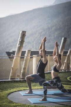 Morgen-Yoga im Alpin Panorama Hotel Hubertus (Alpin Panorama Hotel Hubertus)