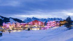 Winterliche Panoramaaufnahme des Hotel Peternhof (c) Hannes Niederkofler
