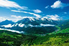 Panorama auf Tux im Urlaubsgebiet Tux Finkenberg
