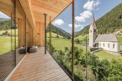 Panoramasuite mit atemberaubendem Infinitybalkon (Naturhotel Rainer)