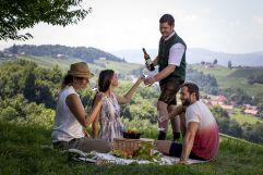 Picknick mit Weinbegleitung im Ratscher Landhaus (c) Tom Lamm (winzerhotels)
