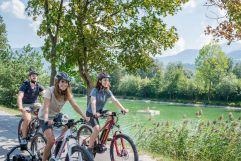 Radtour um den Badesee Weißlahn (c) Angélica Morales (Silberregion Karwendel)