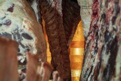 Reifeprozess mit Himalaya Salzsteinen im Premium Meat Ager (c) Tine Steinthaler (GORITSCHNIGGs)