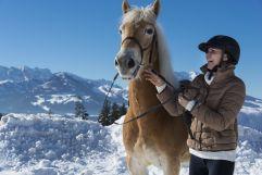 Reitspaß im Winter (c) Hubert Bernard (Peternhof)
