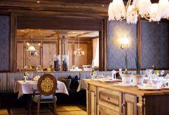 Restaurant Babenberger Kaiserstube mit Gedeck im Hotel Trofana Royal