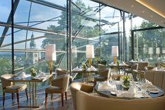Restaurant THE GLASS GARDEN mit Aussicht auf die Altstadt (Schloss Mönchstein)