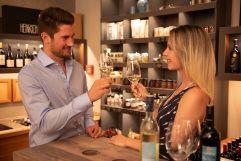 Romantische Abende in der Vinothek im Hotel Larimar (c) Bernhard-Bergmann