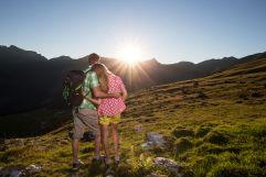 Romantischer Sonnenuntergang in den Bergen (c) Tourismusverband Tux (Alpinhotel Berghaus)Romantischer Sonnenuntergang in den Bergen (c) Tourismusverband Tux (Alpinhotel Berghaus)