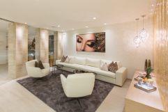 Royal Beauty Spa Empfangsbereich mit gemütlicher Sitzlandschaft im Hotel Trofana Royal
