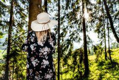 Ruhe im Wald genießen (c) Peter Kuehnl (PURADIES Hotel & Chalets)