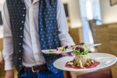 schmackhaftes Essen (c) Hannes Niederkofler Photography (Wanderhotel Vinschgerhof)