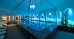 Schwimmbad mit edler Beleuchtung  (Gut Edermann)