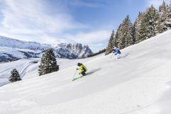 Skiabfahrt bei herrlichem Wetter (c) IDM Südtirol (Hotel Sun Valley)