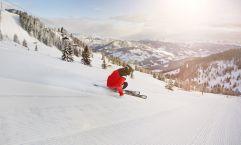 Skifahrer bei der Abfahrt (c) MirjaGeh.com (St. Johann Alpendorf)