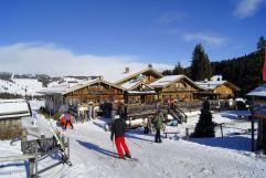 Skifahrer bei der Einkehr (Tirler-Dolomites Living Hotel)