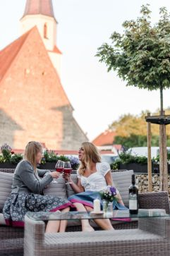 Sommerlich, lässig, schee! (c) Veronika Fleischmann (Hotel Traumschmiede und Gasthof zur alten Schmiede)