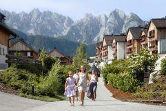 Sommerliche Ansicht des Dachsteinkönig Familux Resorts (c) Caroline Parzer (Dachsteinkönig - Familux Resort)
