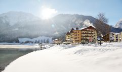 Sonniger Wintertag (Hotel Post am See)