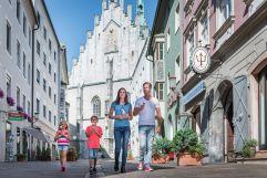Spaziergang durch die Schwazer Altstadt (c) Angélica Morales (Silberregion Karwendel)