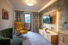 Stilvoll eingerichtetes Zimmer (Hotel Waldfriede)