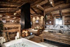 Stilvoll luxuriöse Räume des Chalets im traditionellem Design (c) Prechtlgut (Prechtlgut)
