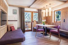 Stilvolles Wohnen in der Komfort  Suite mit Bergblick (Alpinhotel Berghaus)