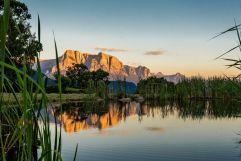 Teich mit Berge im Hintergrund - (c) Wolfgang Gafriller (Tourismusverein Klausen)