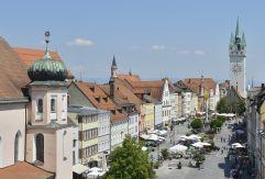 Theresienplatz in der Straubinger Altstadt (Hotel Asam)