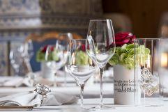 Tischdekoration in der Paznaunerstube des Hotels Trofana Royal
