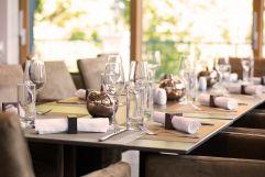 Tischgedeck im Restaurant Vier Jahreszeiten im Schlosspark Mauerbach