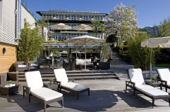 Tolle Seebar im Frühling (KOLLERs Hotel)