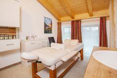 Top ausgestatteter Massageraum (Hotel Rupertihof)