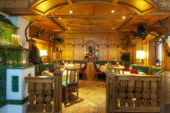 Traditioneller Essbereich (IMPULS HOTEl TIROL)