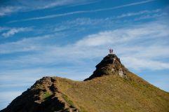 Trailrunner genießen die Aussicht vom Gipfel (c) Lukas Pilz (TVB Raurisertal)