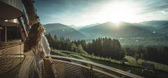 Traumhafter Ausblick von der Terrasse des Belvedere Panoramazimmers (Alpin Panorama Hotel Hubertus)