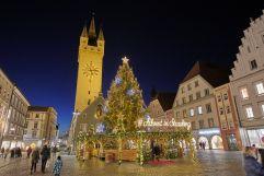 Über den Straubinger Weihnachtsmarkt schlendern (c) Foto Bernhard (Hotel Asam)