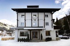 Valluga Hotelansicht im Winter (VALLUGA Hotel)